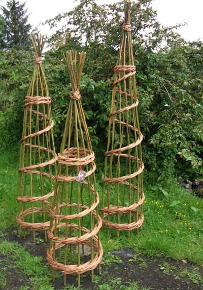 Community Monday May 16th Making Willow Plant Frames